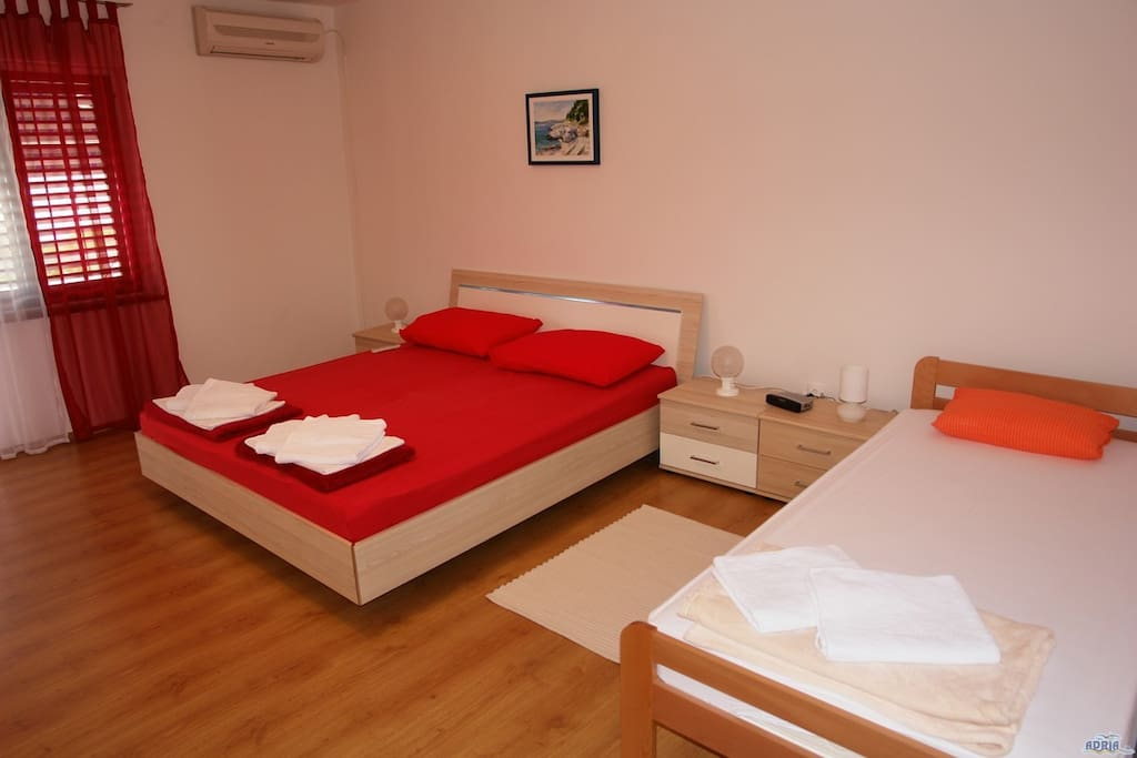 Double bed and an extra bed room