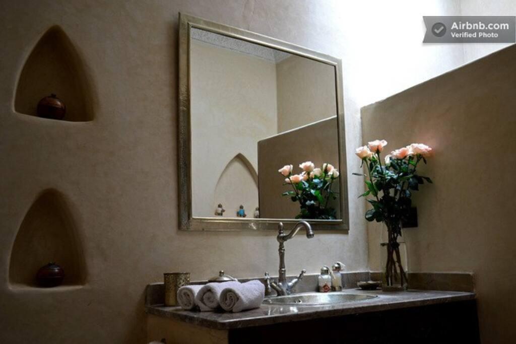 the bathroom in room Turiya