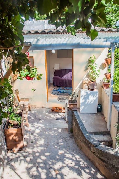 D pendance 12m2 avec terrasse dans jardin suites - Terrasse jardin londrina quadra marseille ...