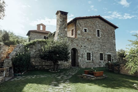 Luxury Farm House with Chef in Umbrian Countryside