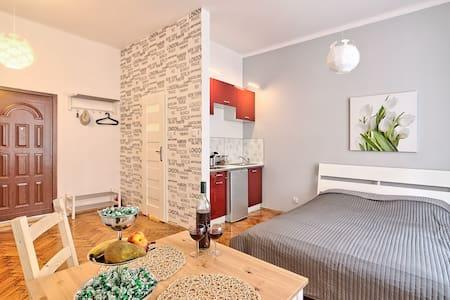 """Apartament """"A"""" na Kazimierzu dla 2"""