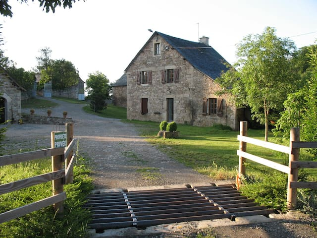 Gîte en plein coeur de l'Aveyron ! - Cruéjouls - House