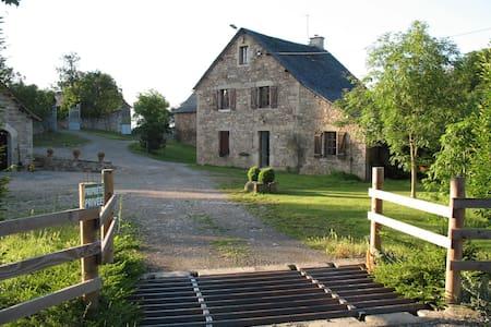 Gîte en plein coeur de l'Aveyron ! - Cruéjouls - Rumah