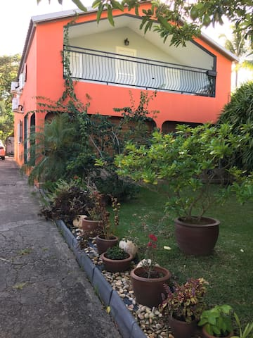 Villa de charme - Etang Sale