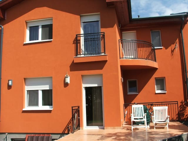 Great location, city center 15mins - Budapest - Rumah