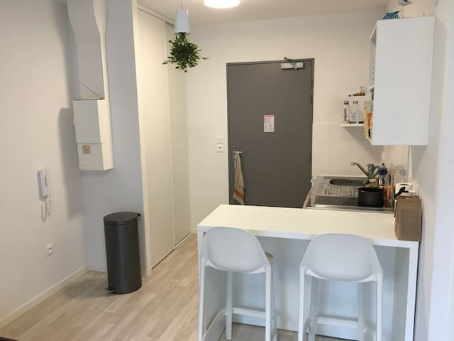 Appartement NEUF tout équipé très calme + parking