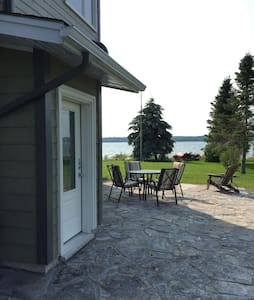 Waterfront 3 BR Apt on Georgian Bay - Owen Sound