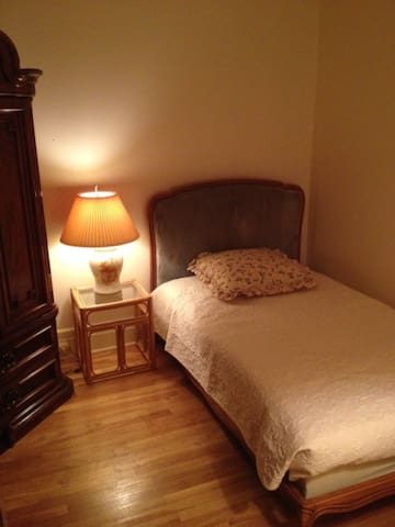 Chambre louer montreal appartements louer for Chambre a louer a montreal