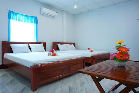 Family Room✯LAUTHU HOMESTAY✯ChamIsland✯MoutainView