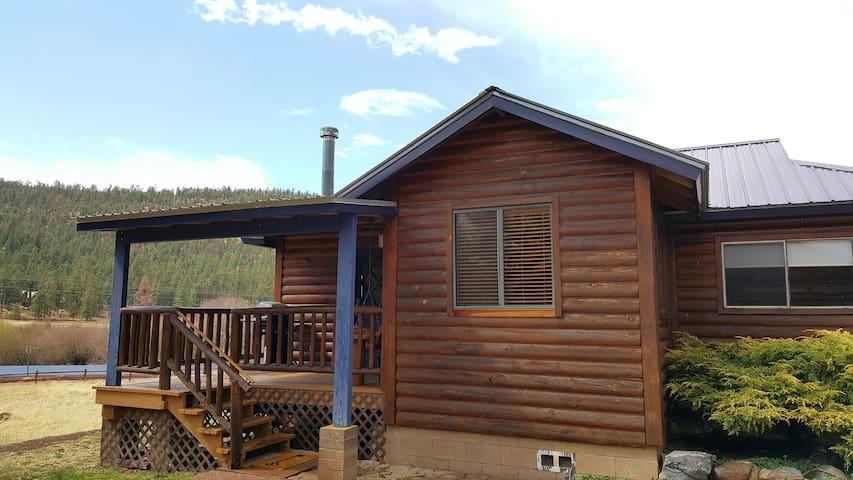 White Mountain Lodge Cabin #4
