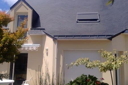 L'Hirondelle - House