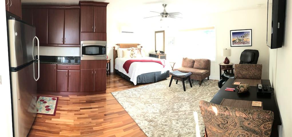 So Much More than a Hotel Room - Sarasota - Apartamento