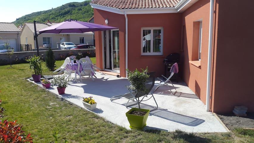 Maison neuve avec belle terrasse - Issoire - Casa