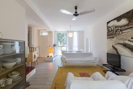 Due stanze in bellissima villetta.Cesate.Milano - Cesate - Rivitalo
