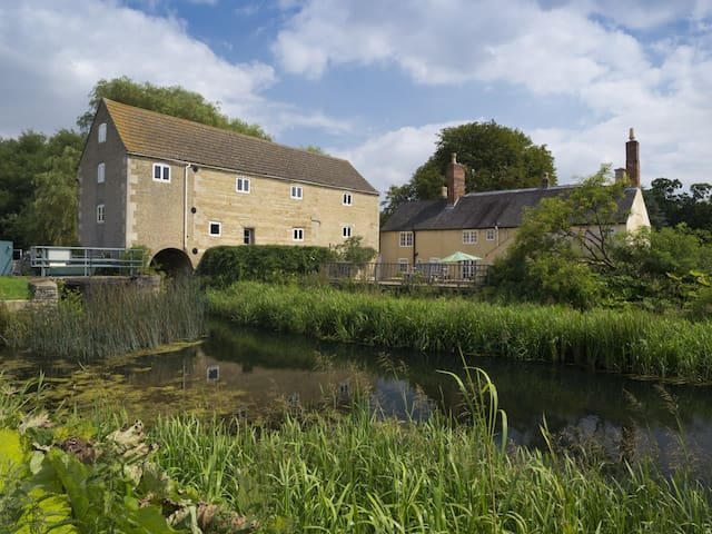 1750's Character Watermill, Stunning Location