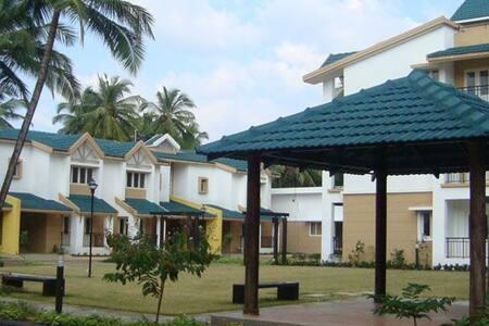 Relax at South Goan Beach paradise home - Benaulim
