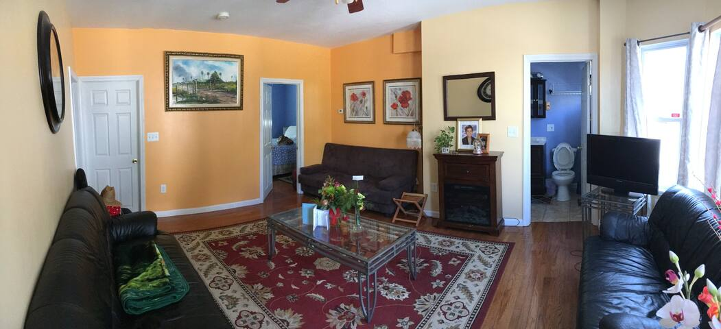 Cozy Southern MA apartment