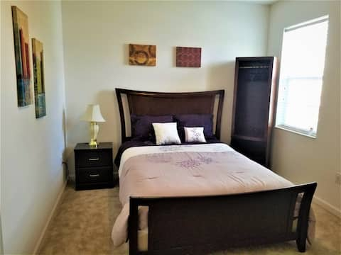 NOBLE ROOM in safe community close to Airport&more