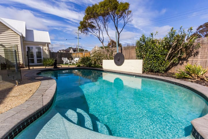 Seasidespa Retreat Pool View Apartment - Aspendale - Flat