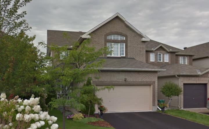 3 Bdr Exec home near Aiport w Luxury Master suite