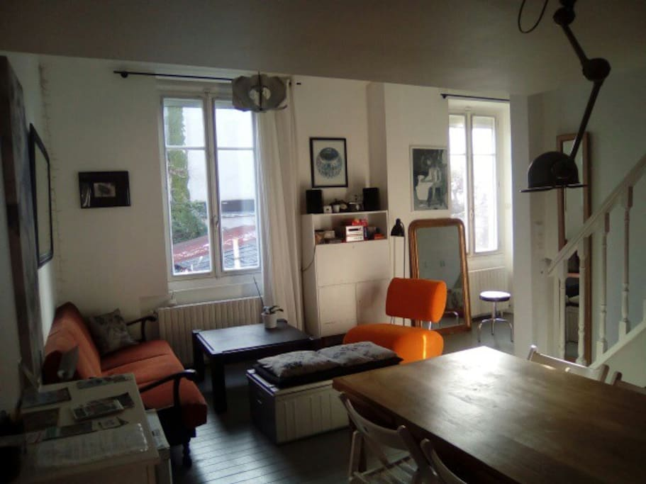 Bel appartement atypique 60m2 appartements louer for Location appartement atypique 92