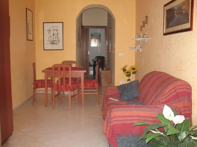 Grazioso appartamento a Calamonaci - Calamonaci - Haus