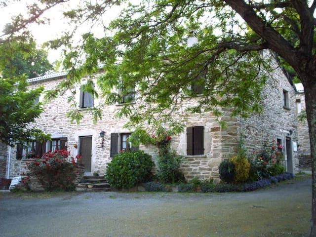 Maison proche des lacs et gorges - Prémian
