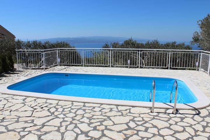 """Chill Zone""Holiday Home SeaView,Pool & Mountain - Baška Voda - Dom wakacyjny"