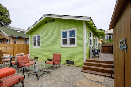 Quaint Venice Beach Bungalow!