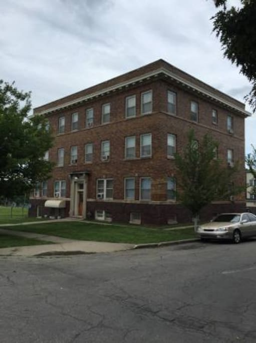 Des Moines Historic Sherman Hill Apartment Apartments For Rent In Des Moines Iowa United States