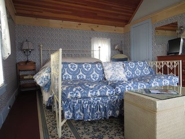 Dauntless Suite - Southwest Harbor - Bed & Breakfast