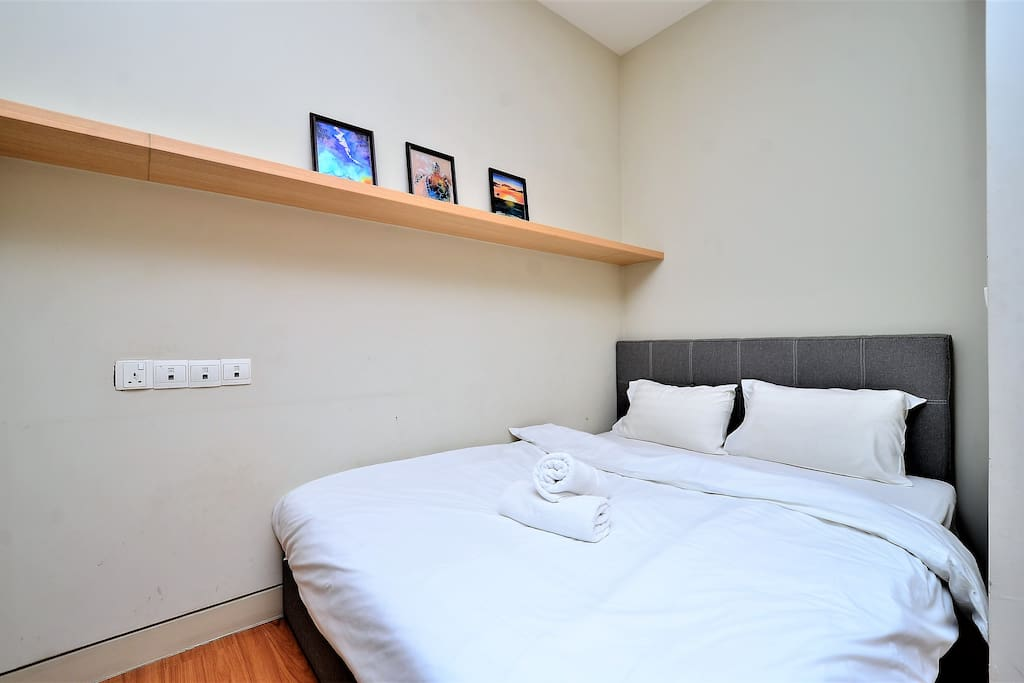 Cozy Queen Size Bed - 2 person (subject to the number of guests)