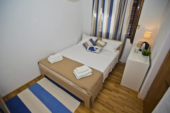 Room Loris with small terrace
