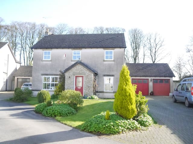 Friendly home in the countryside around Ulverston - Cumbria - Haus