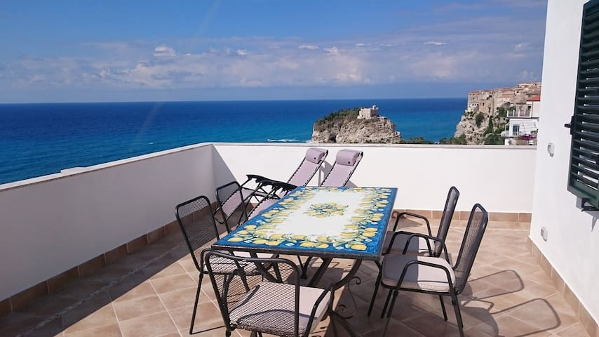 Tropea Penthouse Panorama View - Tropea - Appartement