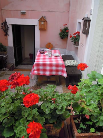 House in historic village - Spoltore - Casa