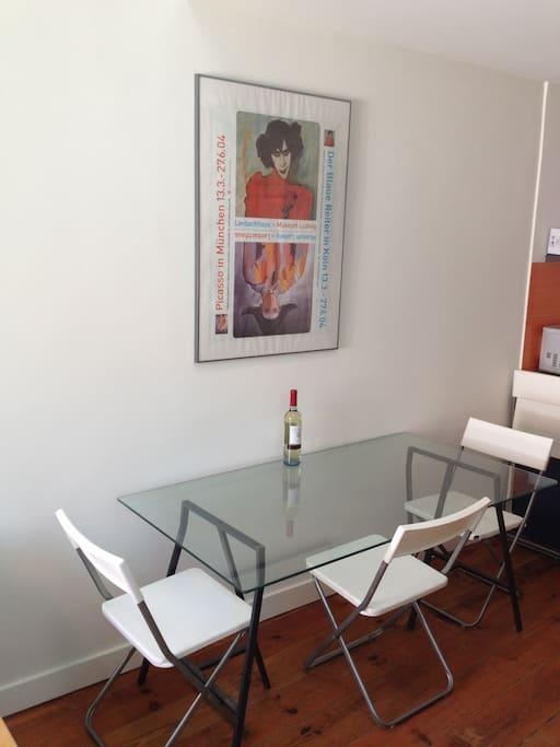 Breakfast/dining table
