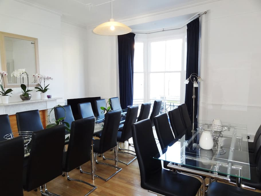 Luxury Town House Brighton Hove living/dining area seats 22 in very comfortable padded chairs