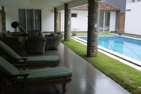 Luxury guesthouse w/ pool and views
