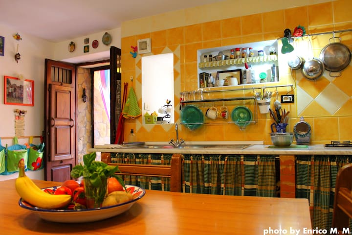 Sicilian fully furnished house