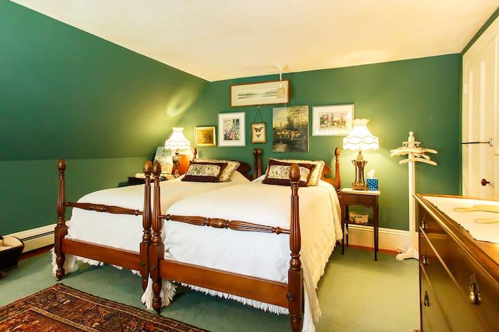 Chebeague Island Comfy Room for 2 - Chebeague Island - Hus