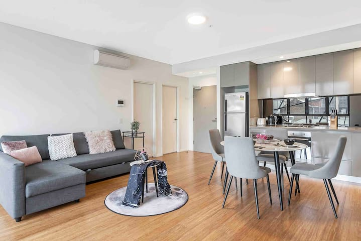 Cozy Apt Heart of China Town Darling Harbour CBD
