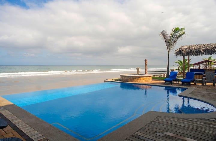 Sunrise Apartment - Beachfront Twilight Tide Villa