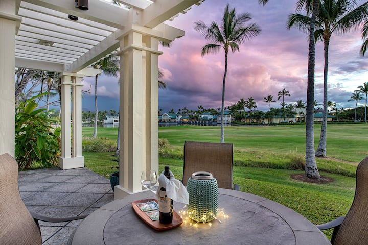 Luxurious 2-Story End Unit Sunset-facing Villa on Golf Course