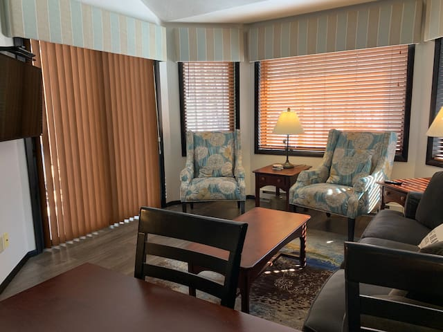 Door County Getaway-2 Bedroom Condo