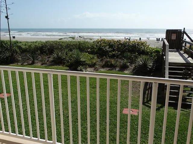 Boardwalk #103 DIRECT OCEANFRONT Condo!