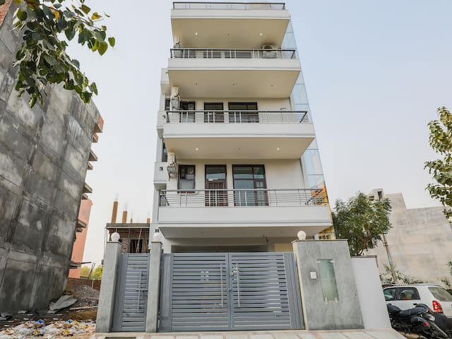 Standard 1BR Home near Medanta Gurgaon - Marked Down!!