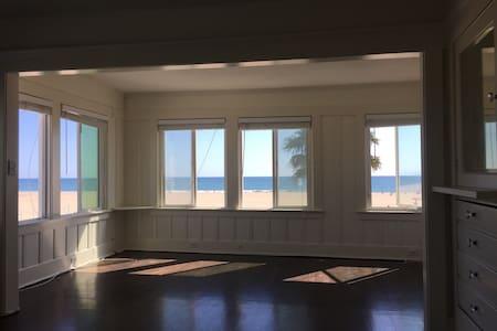 Venice Beach Ocean-View Penthouse
