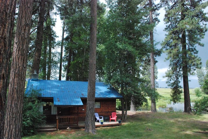 CraterLake Bungalows - The Cabin on Crooked Creek - Chiloquin - Hytte