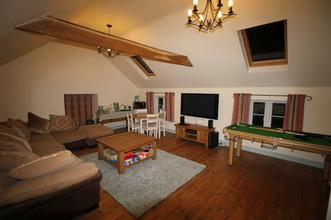 Lovingly converted large hayloft near Stonehenge